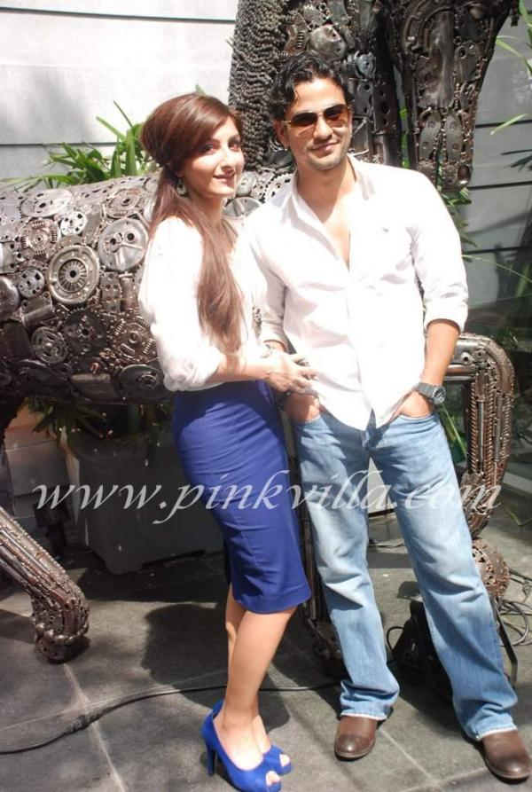 DSC 0999 -  Soha Ali Khan &amp; Kunal Khemu at Monarch office opening