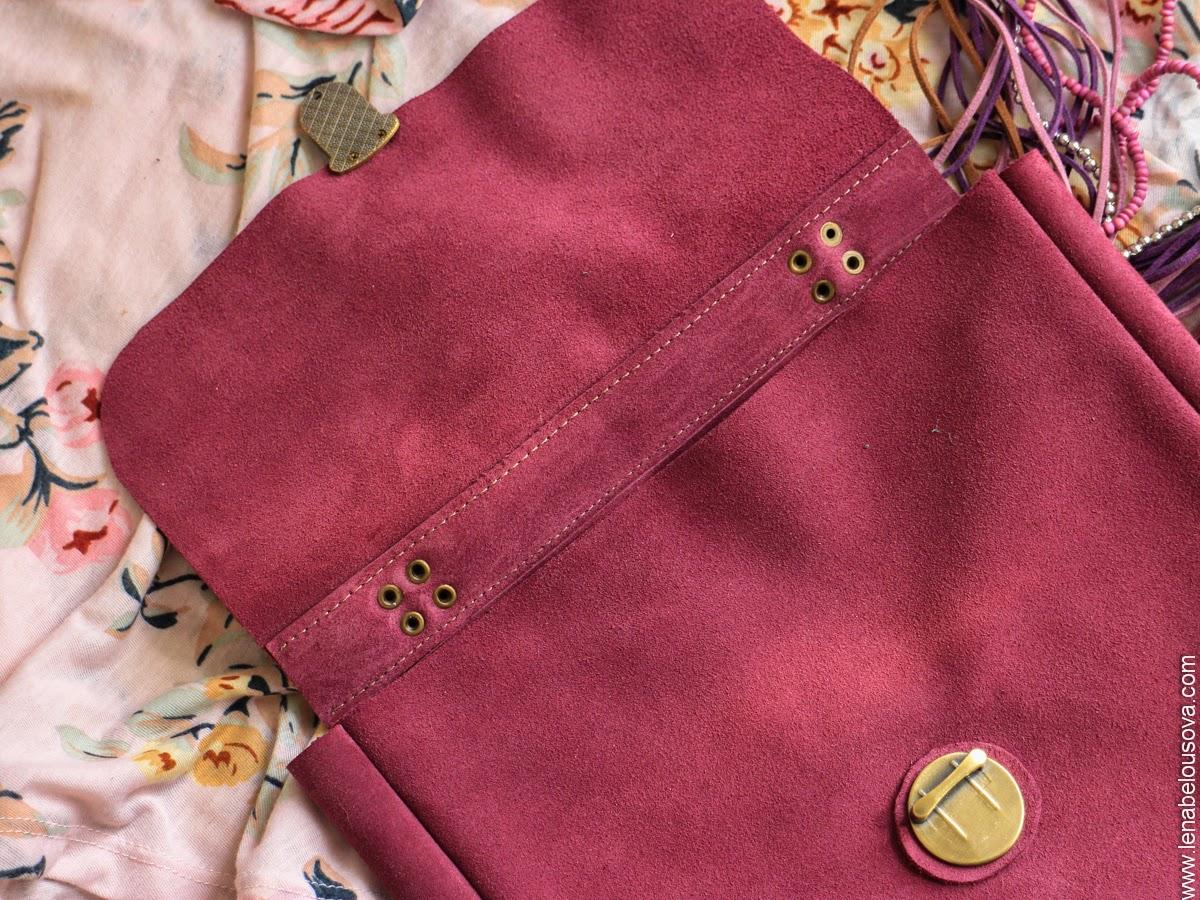 сумка из замши розового цвета