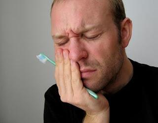 http://holikulanwar.blogspot.com/2012/01/obat-sakit-gigi-tradisional-paling.html