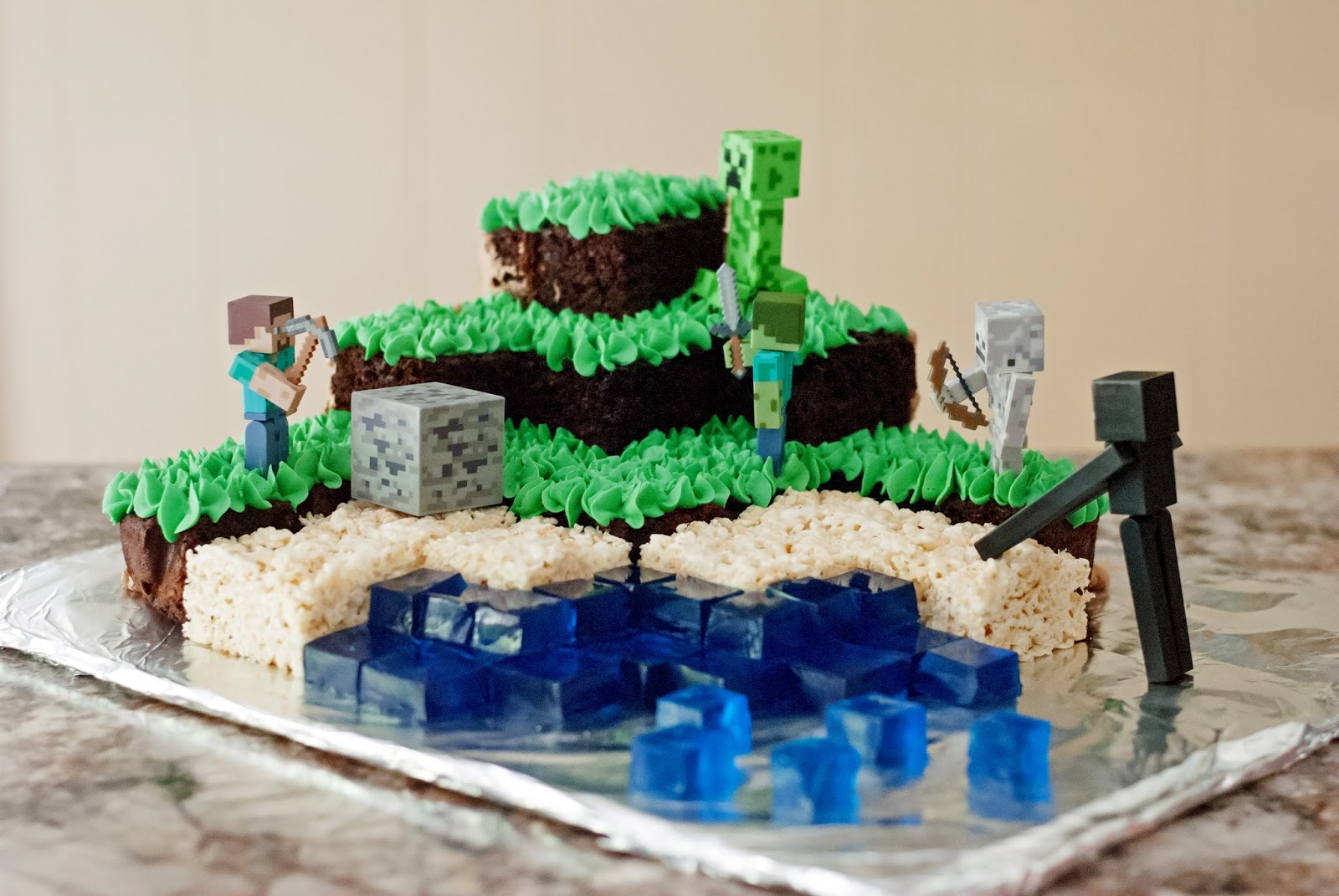 Minecraft Images For Birthday Cake : Ali a la mode: Minecraft Cake {{Chocolate Cake & Swiss ...