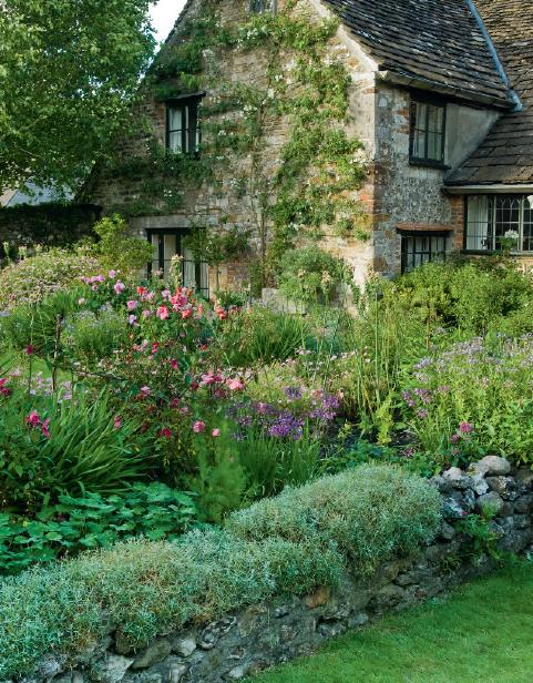 Country cottage garden ideas photograph cottage garden en for Country cottage garden designs