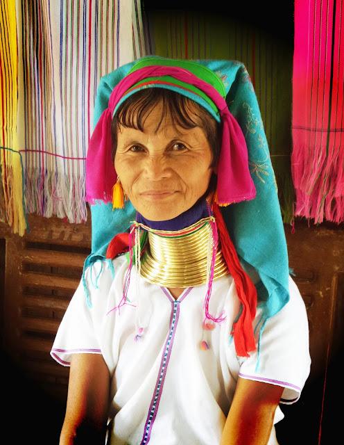 Avventure nel Mondo - Dolce Burma - donna giraffa -  lago Inle