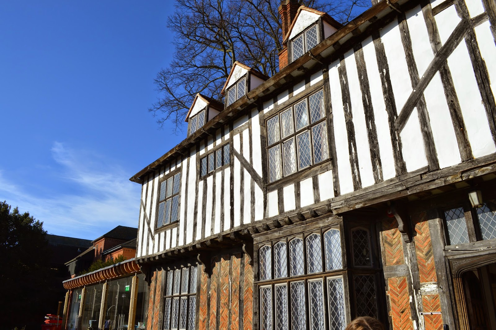 pub, Tudor House, Colchester, black and White beams, diamond windows, historical, traditional
