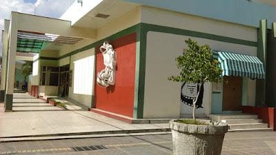 Videobar Huambo, en la esquina del parque José Martí, en Guantánamo, Cuba