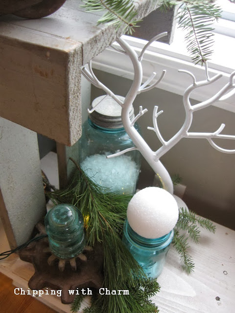 Chipping with Charm:  Stacked Bench Tree...http://www.chippingwithcharm.blogspot.com/
