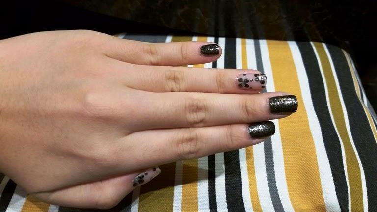 Free manicure hai di lao