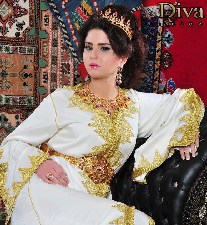 Caftan moderne et takchita marocaine 2013 vente caftan for Location de robe de mariage en ligne