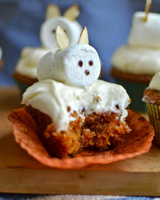 http://www.yammiesnoshery.com/2014/04/the-best-carrot-cake-ever-with-fluffy.html