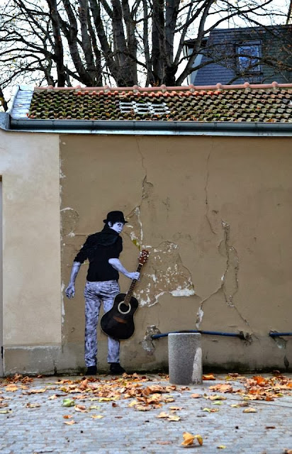 """""""Orphee"""" New Street Art Installation By Levalet on the streets of Paris, France. 4"""