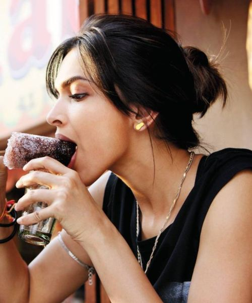 Deepika Padukone eating Ice Gola1 - Deepika Padukone eating Ice Gola