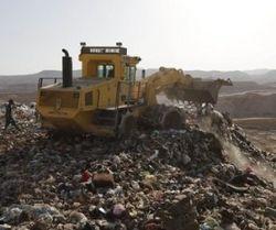 tempat sampah, uang, kasur, katrol, bolduser, TPA