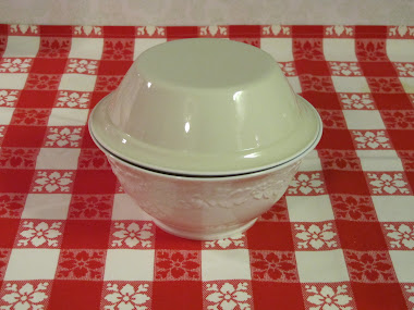 Here they are used together, with the cereal bowl serving as a lid.