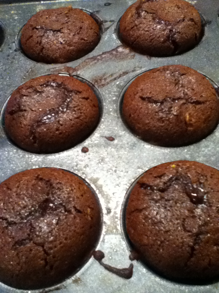 Rosy Creations: Molten Lava Chocolate Cupcakes