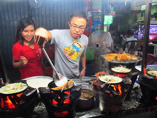 Banh Xeo - Crispy Rice Flour Crepe