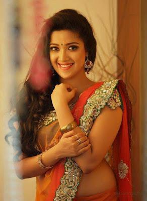 Navel showing Blouse saree Malayalam actress