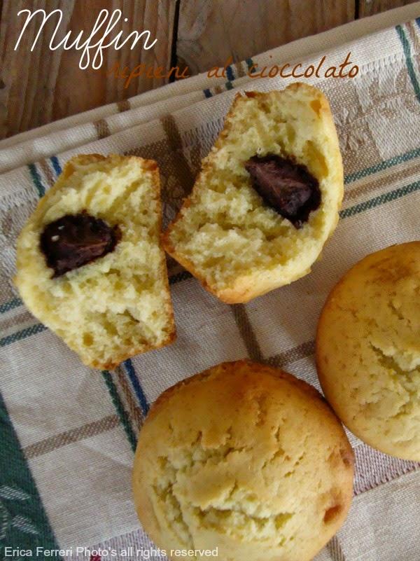 Ricetta dei muffin con ripieno di cioccolato