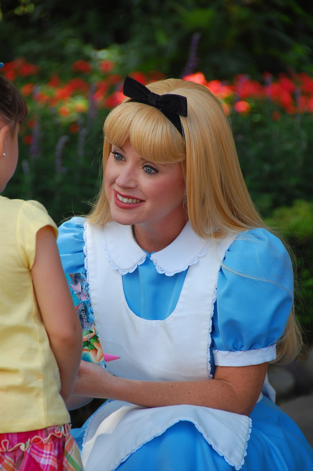 Disney Sisters Alice In Wonderland Meet And Greet