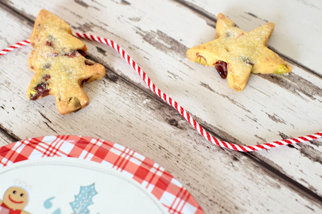 Spiced cranberry, pistachio and orange chocolate chip shortbread recipe