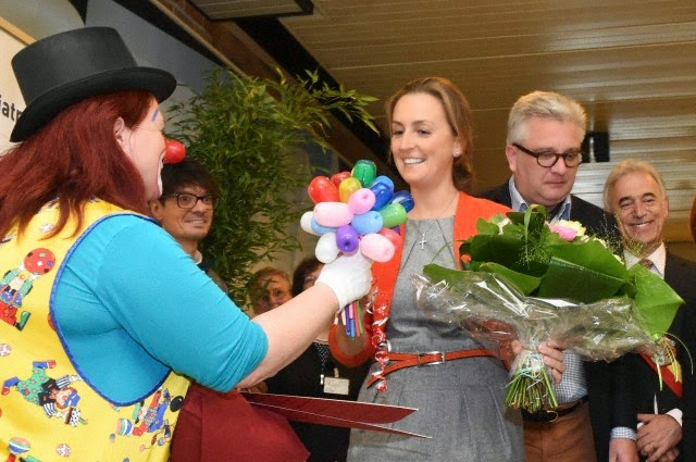 "Visit of Prince Laurent and Princess Claire to the pediatric department of the Hospital ""la Citadelle"" of Liège"