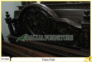 Tempat tidur kayu jati ukir jepara Tiara Hati murah.Jakarta