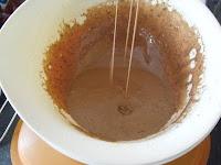 chocolate dribble Tupperware pro mixing bowl