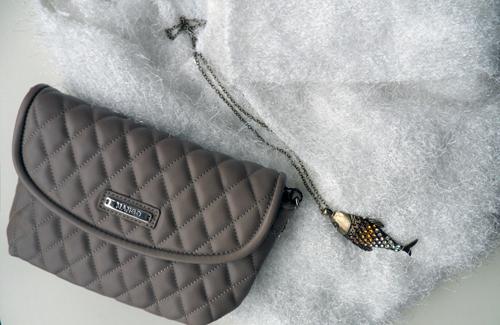 chaqueta,punto,H&M,blog,moda,low cost,rebajas,saldos,chollos,moda a buen precio,bolso,mango,colgante,pez