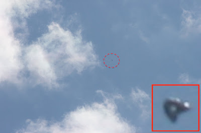Clear Triangle UFO Caught Over Sydney 2015, UFO Sightings