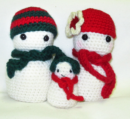 Crochet Patterns Free Snowman : Roaming Pixies: Free Crochet Amigurumi Pattern - Christmas ...