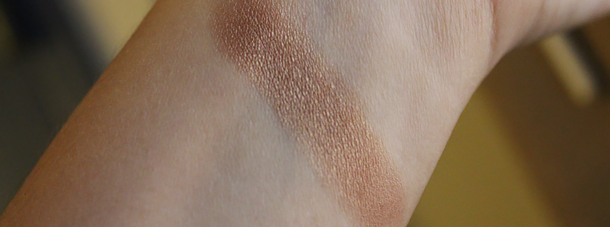 mac woodwinked eyeshadow swatch