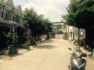 Nhà gần đường
