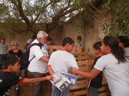 Antônio Carlos - CEA imbiruçú - Oficina com o 6º ano - Aprendendo a criar a compositeira...