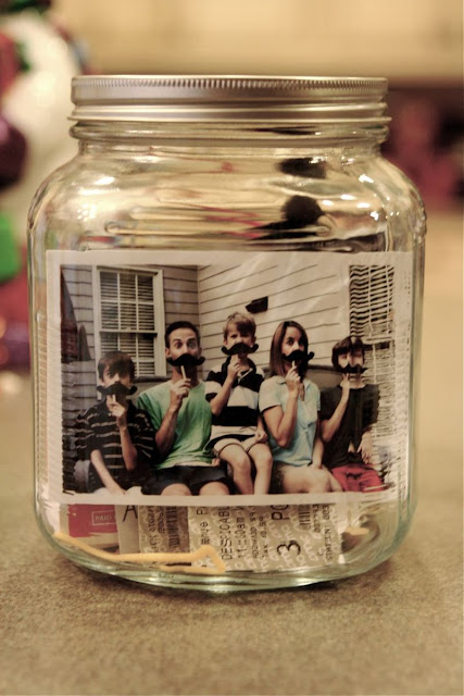 9 Super Easy DIY Home Decor Projects You Can Make This Weekend   DIY Jar of Memories   zenshmen.com via Say Yes to Hoboken