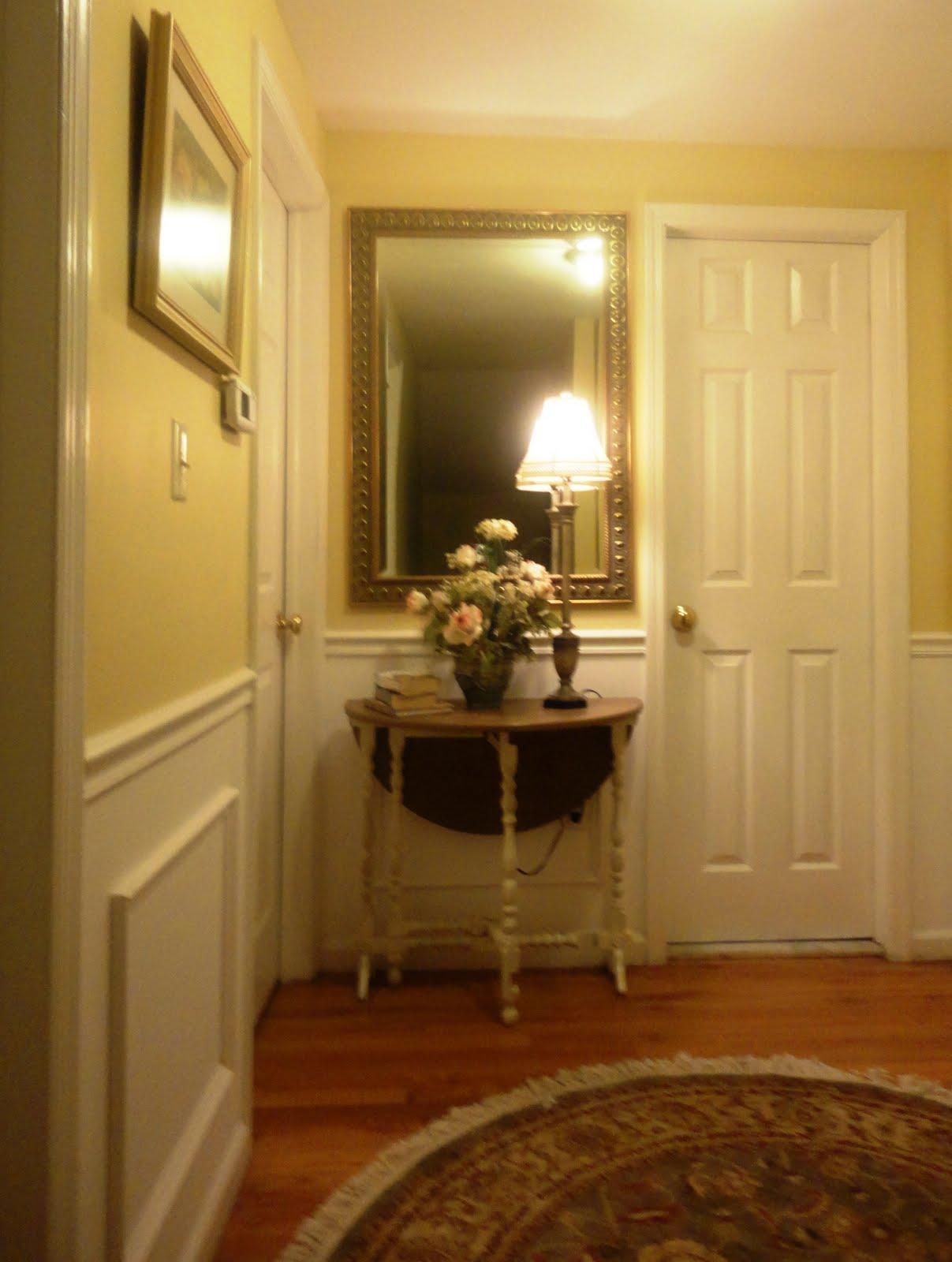 21 Rosemary Lane: Sprucing Up the Upstairs Hallway
