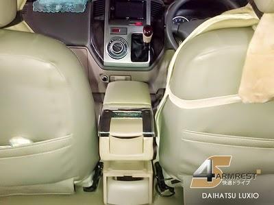 Armrest Handrest sandaran daihatsu Luxio dan Grandmax