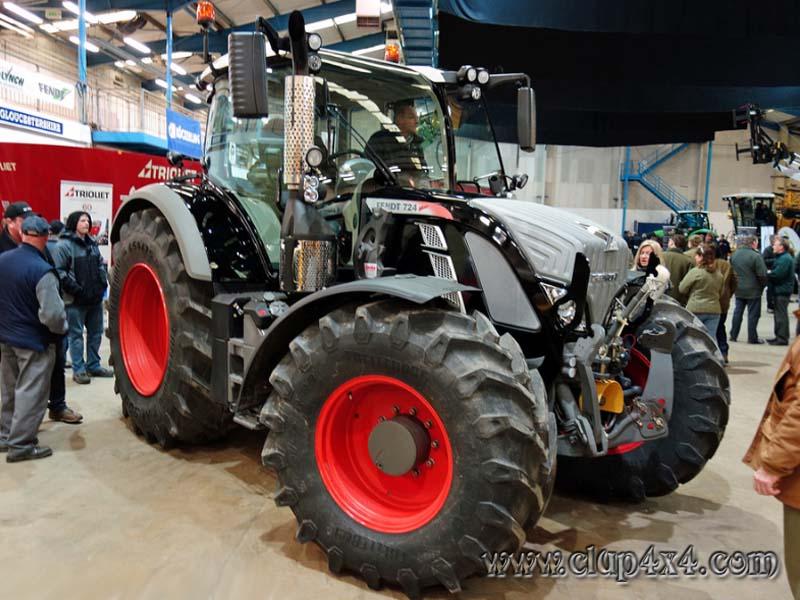 Tractors Farm Machinery Fendt 724 Vario Black Beauty