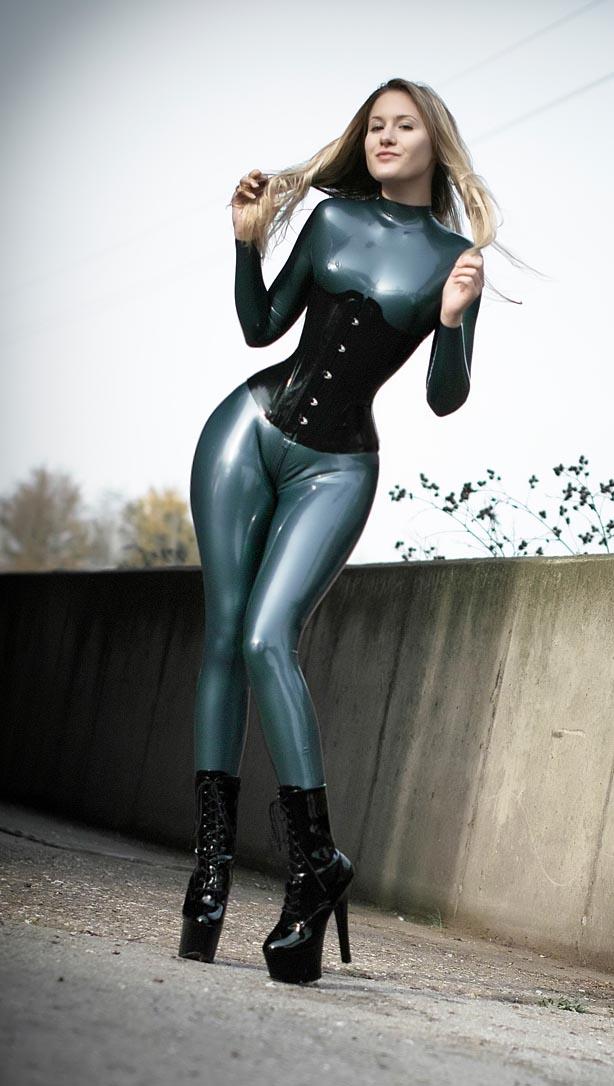 sexy+tight+corset+(40).jpg
