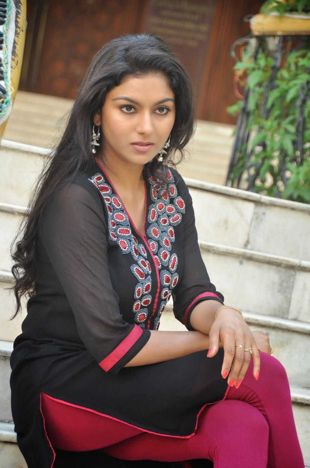 Akshaya glam photo shoot gallery-HQ-Photo-19