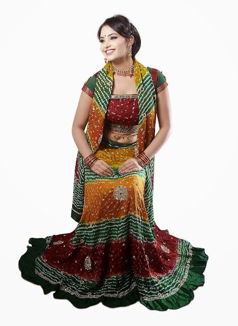 Bandhej Chaniya Choli For Navratri Festival 2013