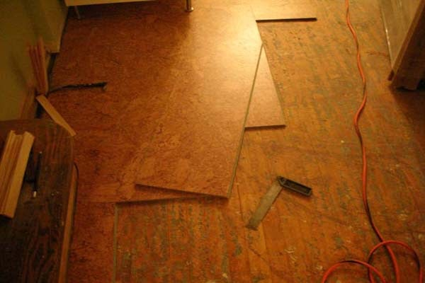 The easy ways to install cork flooring tiles by yourself flooring stuffs ideas - Advantages of installing a cork flooring ...