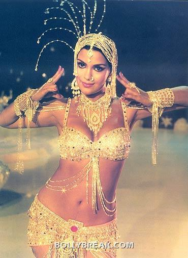 Zeenat Aman In a gorgeous dazzling  short outfit. Only she could pull this off - (5) - Memorable bollywood outfits over the years- hot!!
