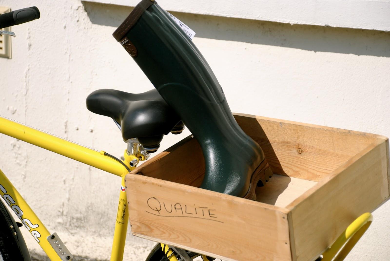 http://3.bp.blogspot.com/-ylHG3pn8NiU/T6jfdKAG13I/AAAAAAABJfE/INYFWKFx6qA/s1600/Aigle+Boots+Rubber+Boots+Factory+Chatellerault+France_0441.JPG