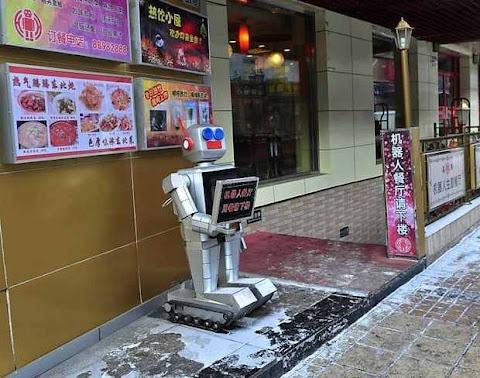 Uniknya Restoran Robot di Harbin, Cina