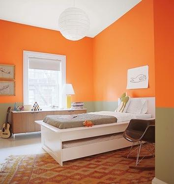 dormitorio con detalles color naranja paredes