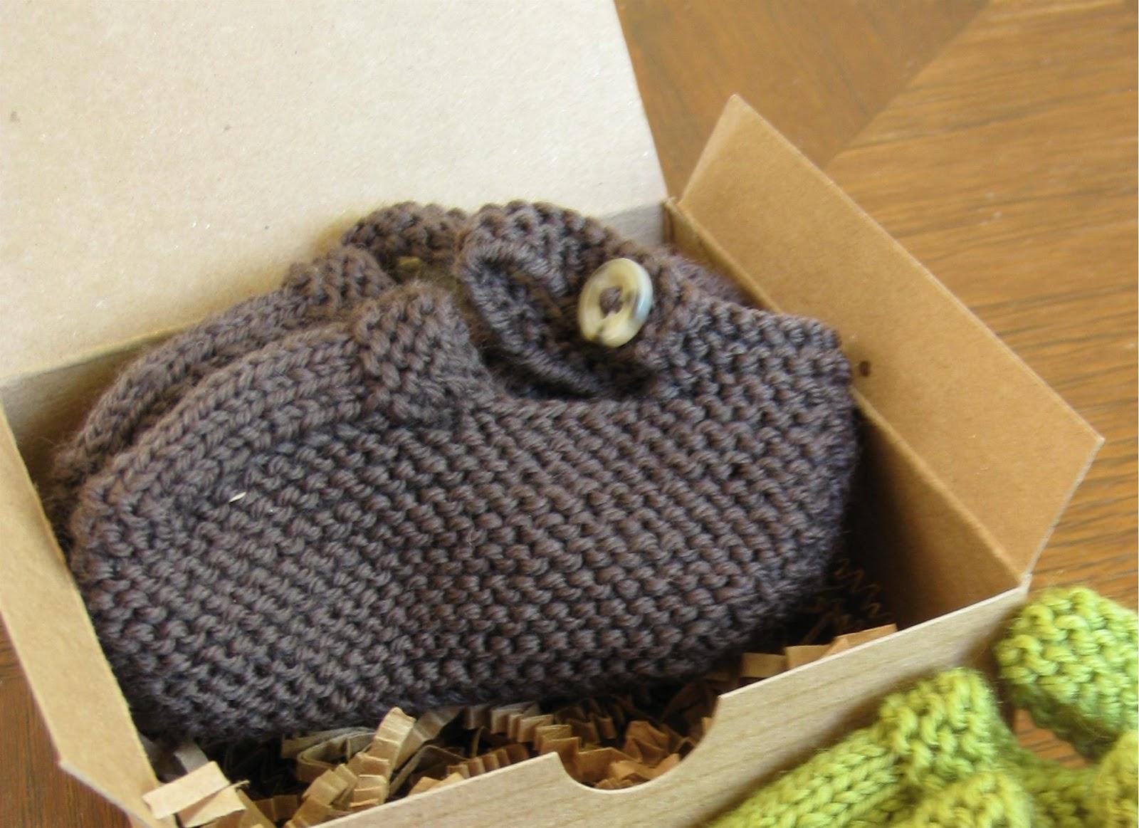 alipyper: Knit Mary Jane Booties