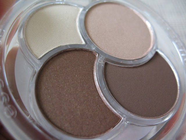 Essence-Eyeshadow-Quad-05-To-die-for-review-photos-and-swatches-04