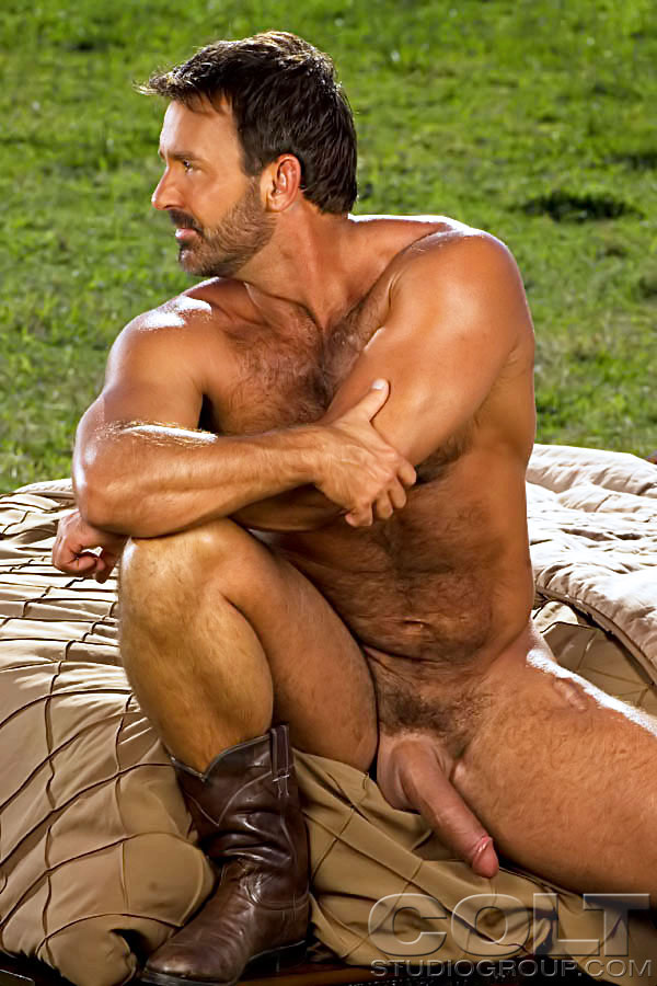HairyDads&Co: Alpha dad: Tom Chase