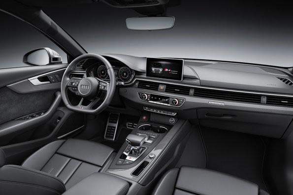 アウディ新型S4セダンのインパネ画像その2