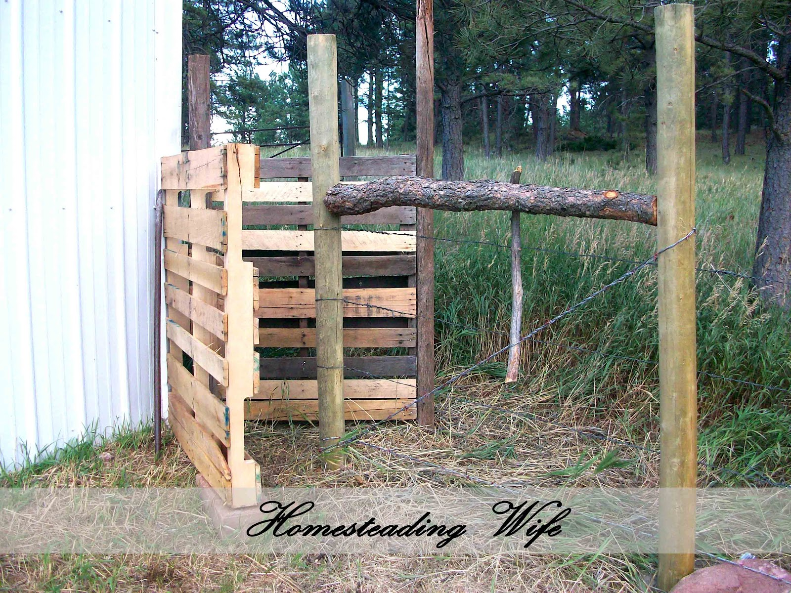 how to build a fence gate out of pallets