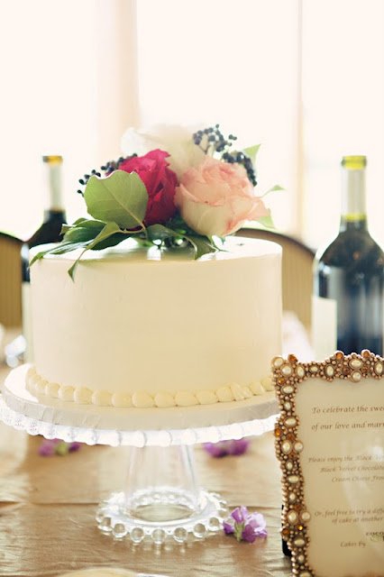 Romantic Wedding Cake Centerpiece