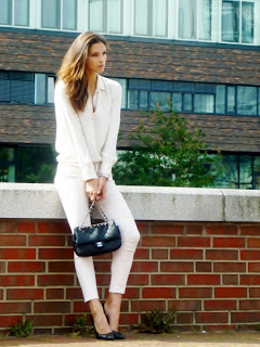 http://3.bp.blogspot.com/-ymKTehsAALM/URJ-rZGSczI/AAAAAAAAKLc/-a6eRDUQNzQ/s640/summer+white+outfit+total+look+for+office.jpg